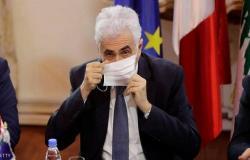 وزير خارجية لبنان يقدم استقالته احتجاجا على أداء الحكومة