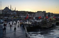 """على بعد خطوة واحدة.. كارثة كبرى تحدق باقتصاد تركيا بسبب """"أردوغان"""""""