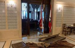 رئيس الوزراء اللبناني يعاين أضرار السراي الحكومي جراء الانفجار.. بالفيديو