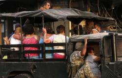 """""""كأنها نهاية العالم"""".. انفجار بيروت: أسئلة بدون إجابات ولغز السحابة الحمراء"""