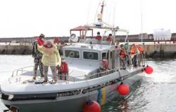 حرس الحدود يخلي بحاراً تركياً على متن سفينة في مياه البحر الأحمر