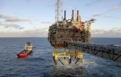 رؤساء شركات كبرى يتوقعون تعافي الطلب على النفط