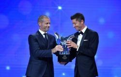 """""""ليفاندوفسكي"""" يتوج بجائزة أفضل لاعب في أوروبا .. و""""فليك """" المدرب الأفضل"""