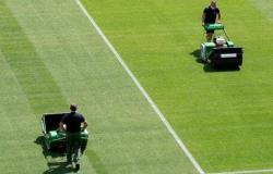 """رابطة الدوري الإسباني تعلن تأجيل مباراة بعد اكتشاف """"إصابات بكورونا"""""""