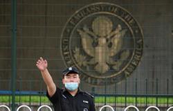 """تفعيل """"دبلوماسية الرهائن"""".. الصين تهدد أمريكا باحتجاز الأمريكيين لديها ومنع مغادرتهم"""