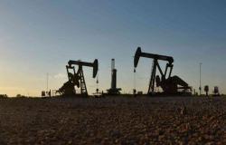 هبوط أسعار النفط.. وبرنت عند 42.78 دولار للبرميل