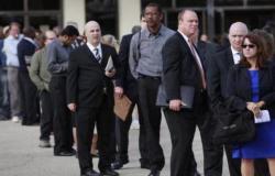 """""""كورونا"""" يدفع بـ 787 ألف أمريكي إلى مقاعد البطالة في أسبوع"""