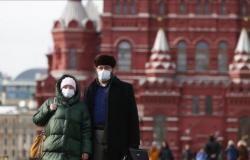روسيا تسجل 296 وفاة و16521 إصابة جديدة بكورونا