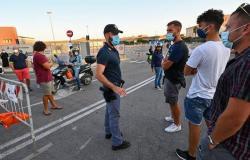 """قفزة قياسية جديدة.. """"كورونا"""" يصيب 19644 شخصًا في يوم واحد بإيطاليا"""