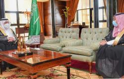 أمير تبوك يستقبل مدير الخدمات الطبية للقوات المسلحة