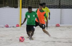 أخضر الكرة الشاطئية يواصل استعداده في ينبع.. والأحمدي يتفقد المعسكر