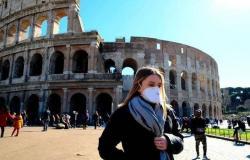 إيطاليا تفرض حظر تجول عام بالمناطق التي ترتفع فيها معدلات الإصابة بكورونا