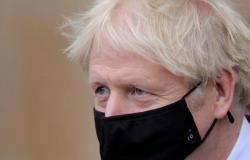 رئيس الوزراء البريطاني يخضع للحجر الذاتي بعد مخالطته مصابًا بكورونا