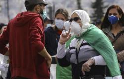الجزائر تعيد فرض الحظر على الأنشطة التجارية والتجمعات لمواجهة كورونا