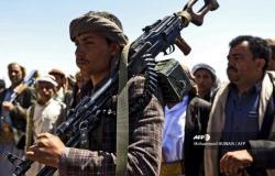 صراع قيادات الحوثي يتصاعد على خلفية نهب المساعدات الدولية