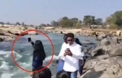 فيديو مأساوي .. لحظة مقتل فتاة بسبب صورة سيلفي
