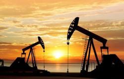 """أسعار النفط تتراجع.. """"برنت"""" عند 54.73 دولار للبرميل"""