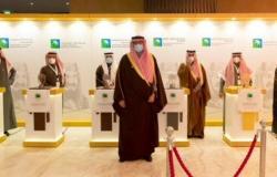 """""""أمير الرياض"""" يتوّج 6 إدارات في """"أرامكو السعودية"""" فازت بجائزة الملك عبدالعزيز للجودة"""