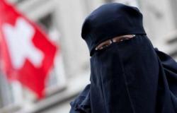 حكومة سويسرا تحثّ ناخبيها على رفض حظر النقاب في استفتاء مارس
