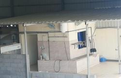 لافتقاره للاشتراطات الصحية.. أمانة مكة تُغلق مصنعاً للمياه تهالكت أجهزة التحليه فيه