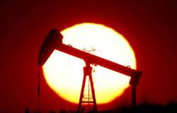 """أسعار النفط تصعد متأثرة بأنباء التحفيز الأمريكي قبيل تنصيب """"بايدن"""""""