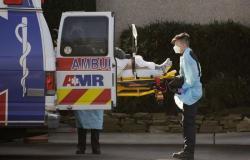 الولايات المتحدة تسجل 72.996 إصابة جديدة و2.115 حالة وفاة بكورونا