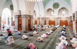 مع استمرار الجائحة.. 8 دول عربية تسمح بصلاة التراويح في المساجد