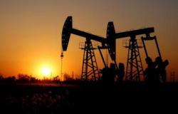 """64.52 دولاراً لبرميل برنت.. النفط يصعد ومخاوف """"كورونا"""" تكبح المكاسب"""