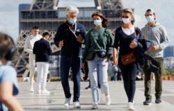 """فرنسا تسجل 38,045 إصابة و301 وفاة من جراء """"كوفيد-19"""""""