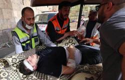 اعتداء همجي على المصلين بالأقصى يوثقه الهلال الأحمر الفلسطيني بـ 175 إصابة