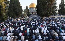 بالصور.. صلاة عيد الفطر في المساجد حول العالم