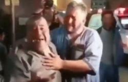 بالفيديو.. أب يصرخ بحرقة بعد فقد أولاده الأربعة في غارة إسرائيلية على غزة