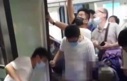 بالفيديو.. لحظة إنقاذ رضيع سقط بين قطار ورصيف