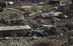 السلطات العراقية تفتح مقبرة جماعية لتحديد هويات ضحايا أسوأ مجازر داعش