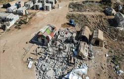 سوريا.. قوات النظام تقصف مخيمًا للنازحين في إدلب