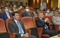 وزير الرياضة يشهد اختبارات الشباب المتطوعين لتنظيم معرض الكتاب