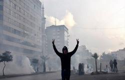 إضراب عام بلبنان لتشكيل حكومة إنقاذ.. وأحزاب بالسلطة تشارك