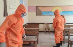 استمرار تطهير وتعقيم لجان الامتحانات بشمال سيناء