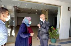 وكيل «صحة الشرقية» يعاين منطقة دوار العاشر من رمضان لتخصيص مركز للقاح كورونا