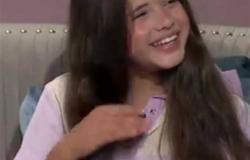 كنزي رماح عن مشاركتها في «العارف» : أحمد عز كان بيغنيلي في اللوكيشن (فيديو)