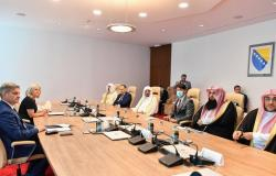 """""""آل الشيخ"""": السعودية تمد يد المساعدة لكافة الشعوب دون النظر لدين أو عرق"""