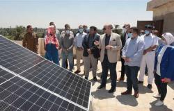 محافظ بني سويف يُدشًن 6 محطات لتوليد الكهرباء من الطاقة الشمسية (صور)