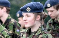 الجيش البريطاني يفشل في حماية النساء بين صفوفه