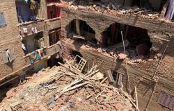 انهيار عقار من 5 طوابق ومصرع مالكه وإصابة زوجته في الوراق (بث مباشر)