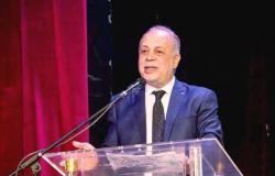 أبناء أكاديمية الفنون يطلقون حملة «شكرا أشرف زكي».. وكتيب للإنجازات