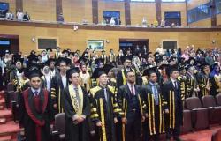 رئيس جامعة سوهاج يشهد حفل تخرج الدفعة الثالثة من طلاب الصيدلة