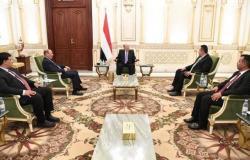 """""""هادي"""": ميليشيا الحوثي مصرة على تدمير مقدرات اليمن بسلوكها العدواني"""