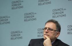 """إيران تسجن محافظ """"البنك المركزي"""" السابق 10 سنوات"""