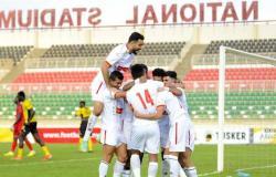 سمير عثمان يسخر من مساعد الحكم في مباراة الزمالك وتوسكر الكيني