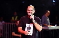 بـ«شوقنا» و«برج الحوت» عمرو دياب يتألق في حفل الأردن (صور)